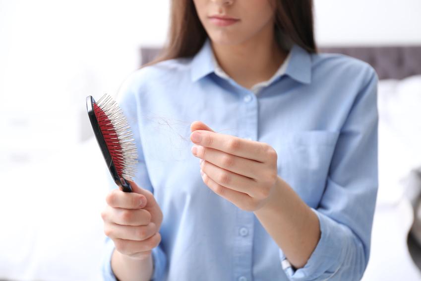 Hilfe Bei Akutem Haarausfall: Das Kostet Eine
