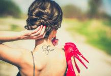 Filigrane Tattoos für den Nacken
