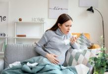 schwangere frau niest